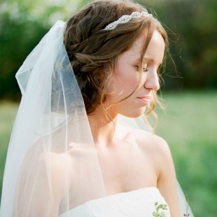 blogs-aisle-say-rustic-wedding-hairstyle-idea