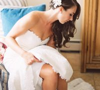 Wedding hairstyles for long hair with a hairpin